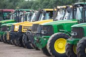 Essential Factors to Think about when Buying Tractors